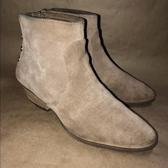 e292e2aaf1269 Vince Camuto Size 7 M CINZA Suede Ankle Boots Zip.  M 5b93dbcc03087cf414a21836